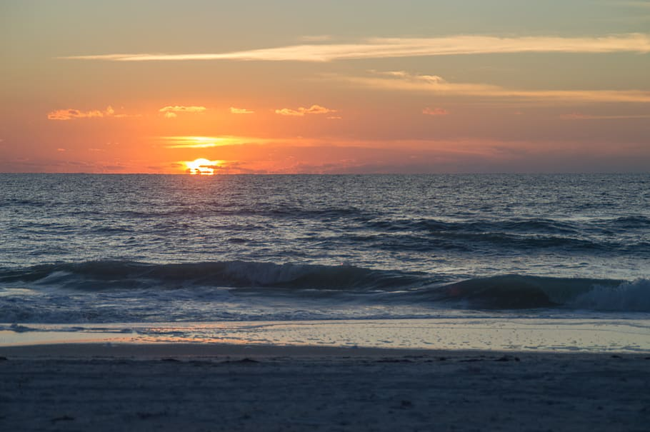 sunset on holmes beach florida